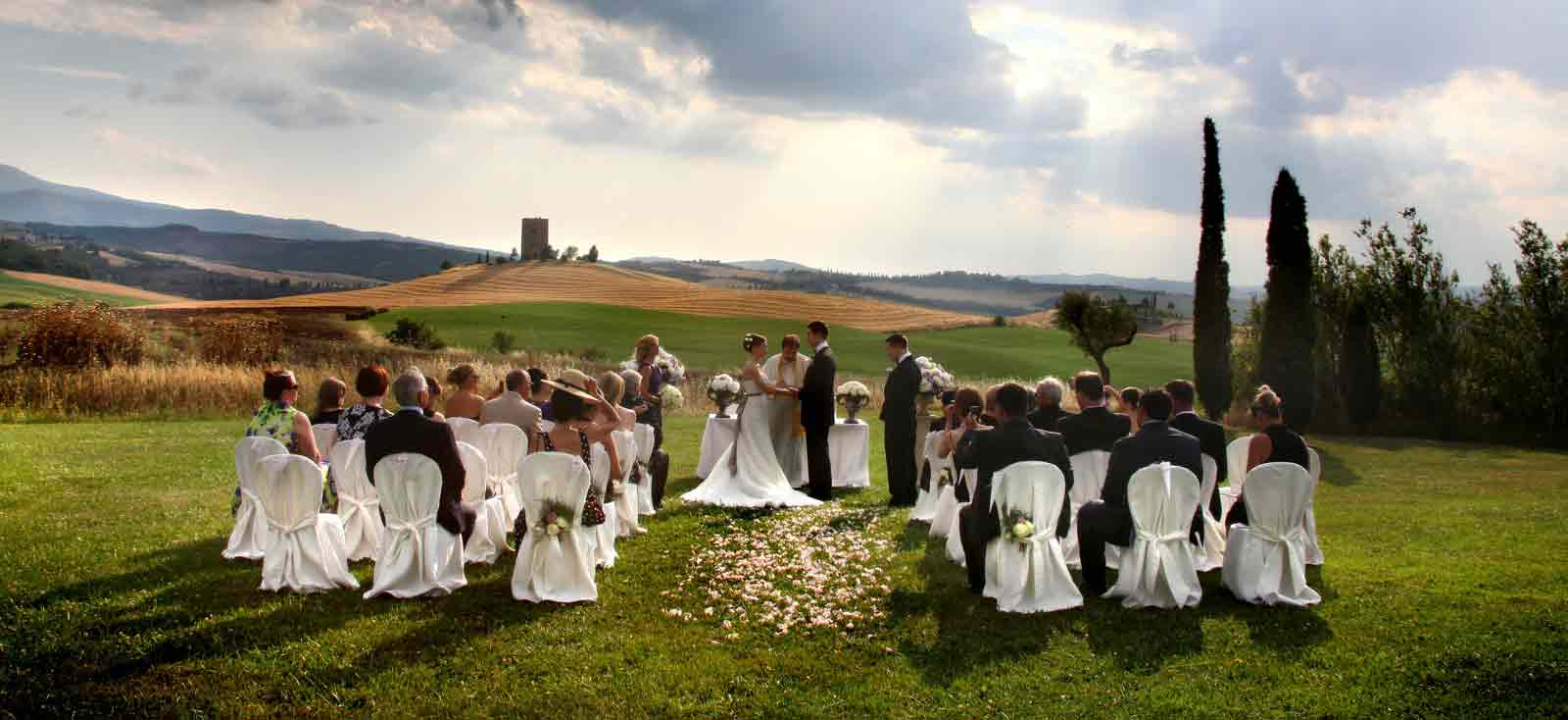 Outdoor wedding in italycivil religious and symbolic ceremonies junglespirit Image collections