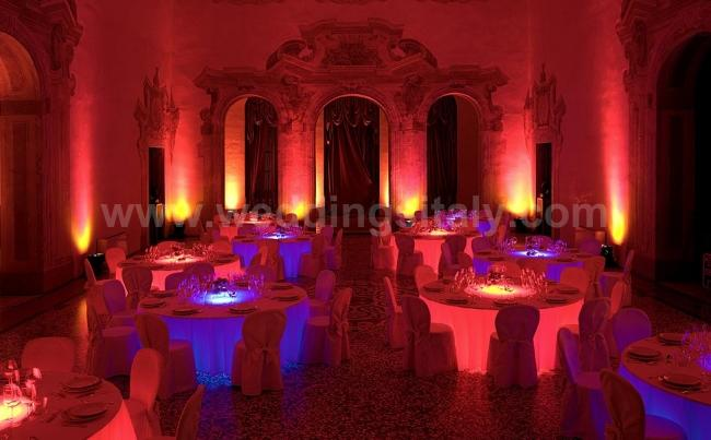 NEW! Lighted tables for event reception