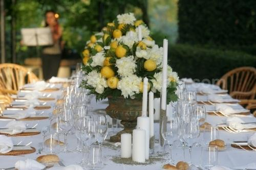 How to save money on bouquet and floral decorations