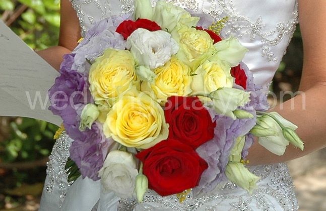 Oval Bouquet Zoom