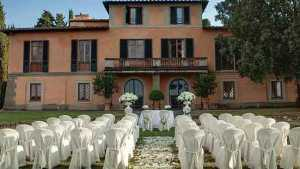 Outdoor florence ceremony