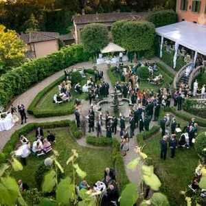 Romantic weddings in historical gardens