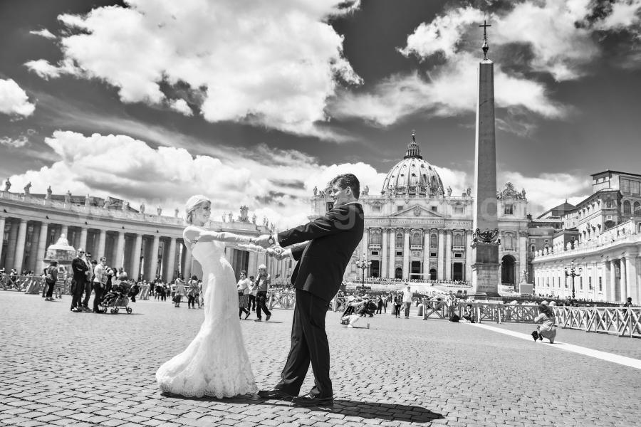 April and Billy Wedding in Rome at Basilica of San Peter